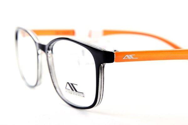 Có nên mua kính bảo vệ mắt khỏi ánh sáng xanh khi dùng smartphone